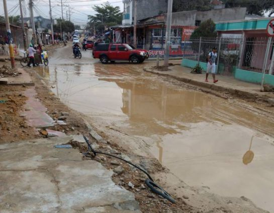 Barranquilla: Comerciantes reclaman indemnización por atrasos en Megatanque