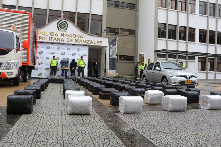 Decoomiso de 900 kilos de marihuana en la vía Manizales - Medellín: Por una llamada la Policía encontró un camión con 900 kilos de marihuana