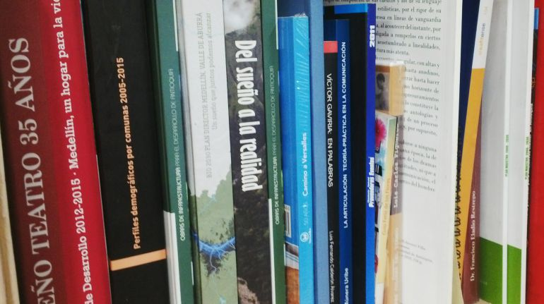 LIBROS, BIBLIOTECAS, PRÉSTAMOS, MOROSOS, PERDIDOS. DEVOLUCIÓN: Bibliotecas buscan 14 mil 116 libros perdidos en Medellín