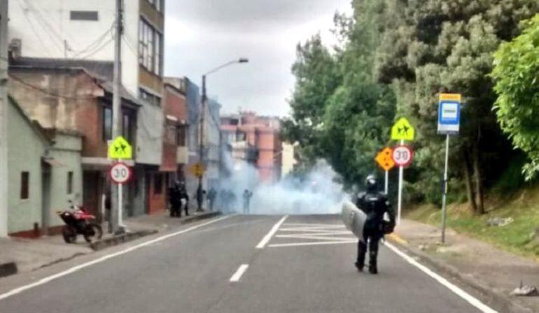Reportan bloqueos frente a U. Distrital en Avenida Circunvalar