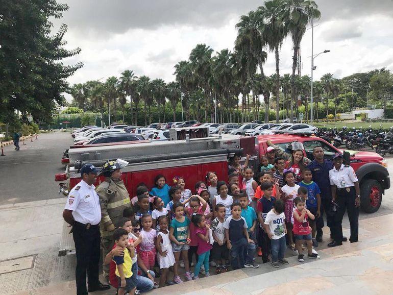 """Bomberos de Cartagena participaron en capacitación a """"pequeños brigadistas"""": Bomberos de Cartagena participaron en capacitación a """"pequeños brigadistas"""""""