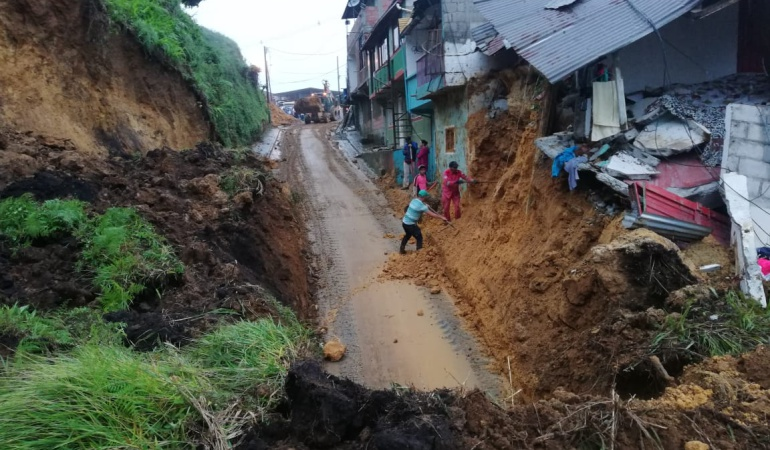 Al menos 12 muertos por deslizamientos de tierra por lluvias — Colombia
