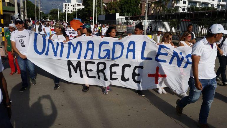 Marcha estudiantes en Santa Marta. Caracol Radio