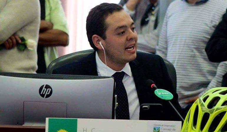 Concejo de Manizales, Carlos Mario Marín, CFC: Concejal de Manizales es demandado por la representante jurídica de CFC