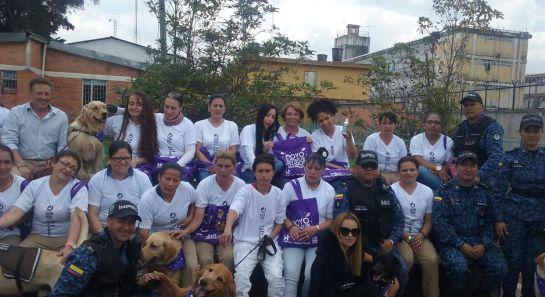 Centro canino cárcel El buen Pastor.: Inauguran centro canino en la cárcel El Buen Pastor