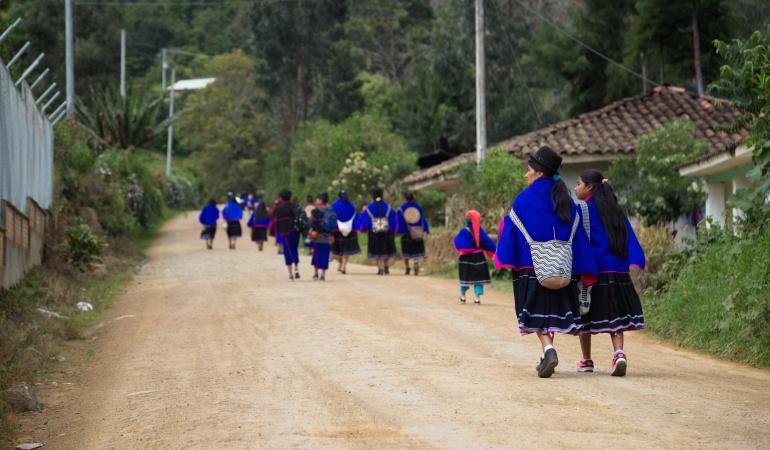 Conflictos de tierra en Cauca: En el Cauca los conflictos de tierra tienen enfrentada de manera violenta