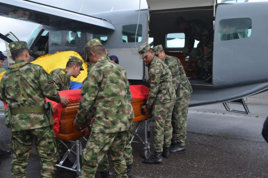 Funeral soldados accidente: Con honores despiden a soldados fallecidos en accidente de helicóptero