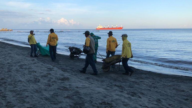 1.500 samarios limpian playas y ríos con campaña 'Desplastifica tu Ciudad'