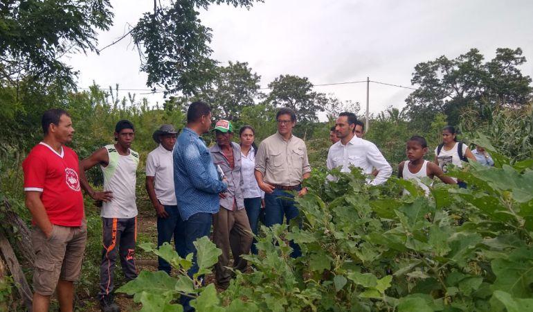 entrega de predio.: Director de la URT inició sus visitas a las regiones con entrega de predio