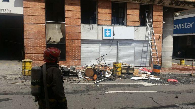Reportan varias explosiones en sede de la Fiscalía de Cali
