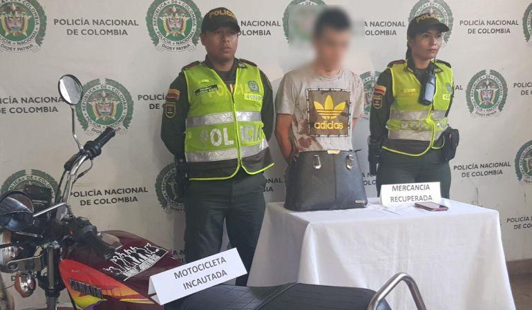 Capturan a dos jóvenes que hurtaban a una mujer en Santa Rosa de Cabal