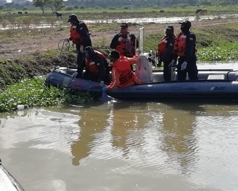 Arroyos: Reanudan búsqueda de mujer arrastrada por arroyo en Soledad