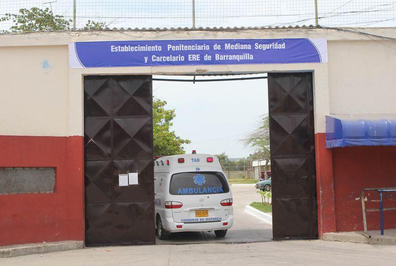 Indagan caso de recluso que salió a cita médica y regresó el día siguiente