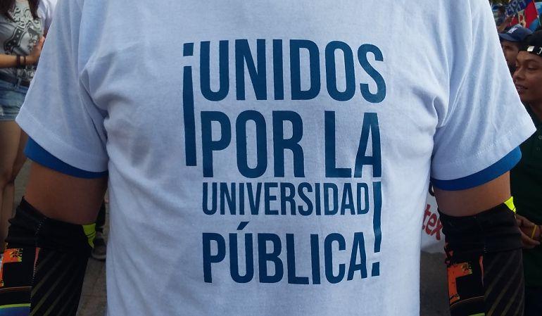 Marcha universitaria en Manizales