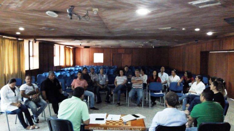 Empleados del Hospital Universitario del Caribe en asamblea permanente: Empleados del Hospital Universitario del Caribe en asamblea permanente