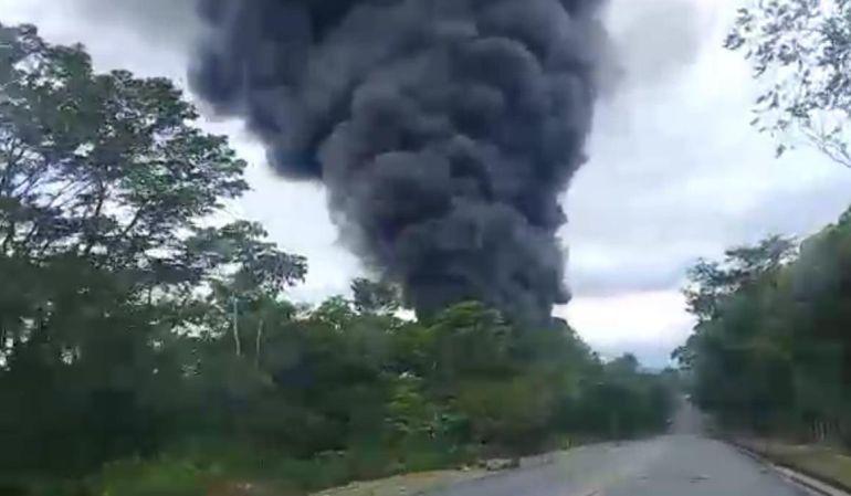 Atentado a oleoducto en Boyacá provocó incendio de grandes proporciones