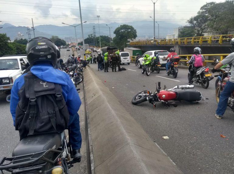 FLETEROS, MUERTOS, LADRONES, ATRACO, MEDELLIN, POLICÍA: Dos fleteros murieron después de atracar a una pareja en Medellín