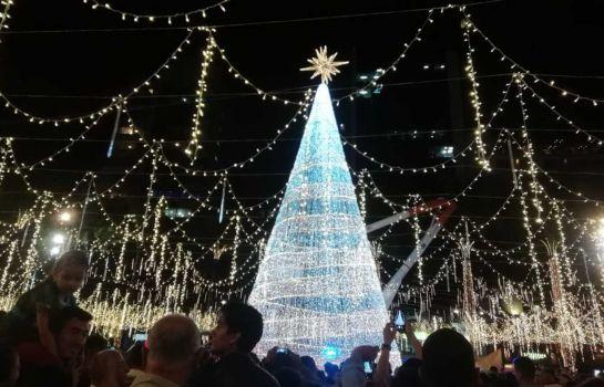 Tres millones de bombillos iluminan a Pereira en navidad