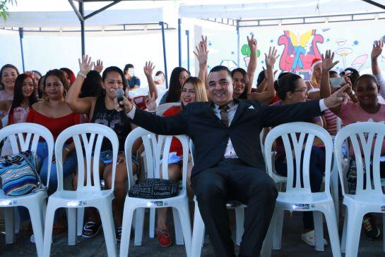 Caracol Radio lleva esperanza a las internas en Barranquilla