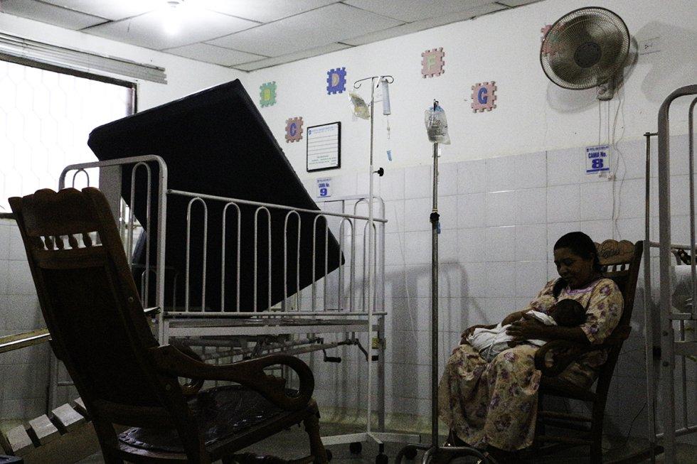 El cuarto de pediatría en el Hospital de Manaure se encuentra en mal estado.