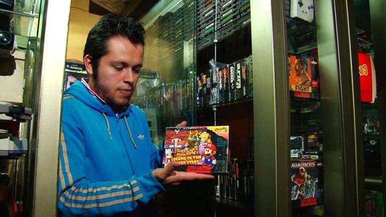 El mayor coleccionista de Latinoamerica: Javier Pinto, el mayor coleccionista de videojuegos de Colombia