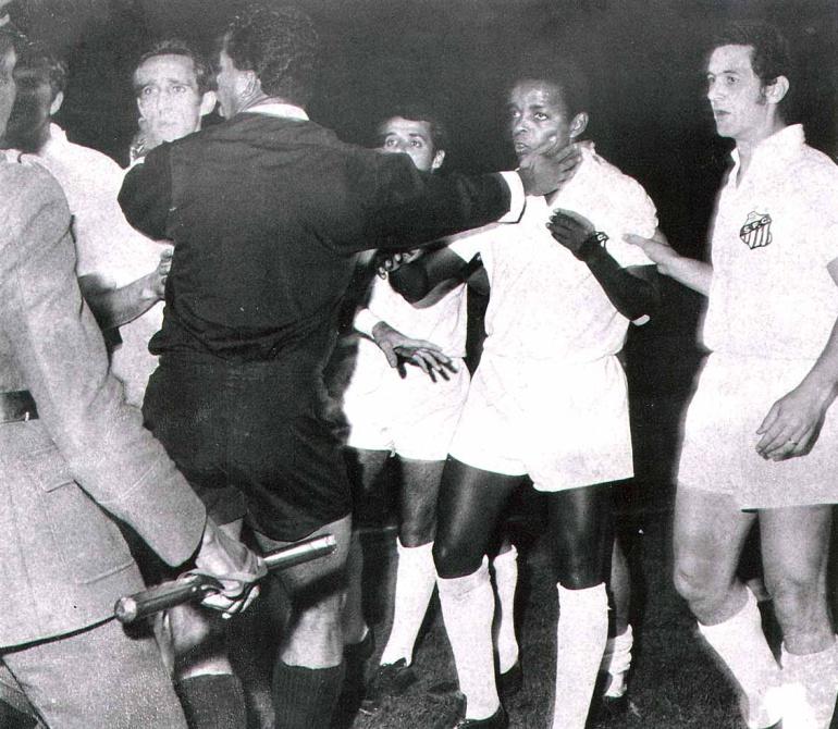 El púlso del fútbol: La expulsión de Pelé