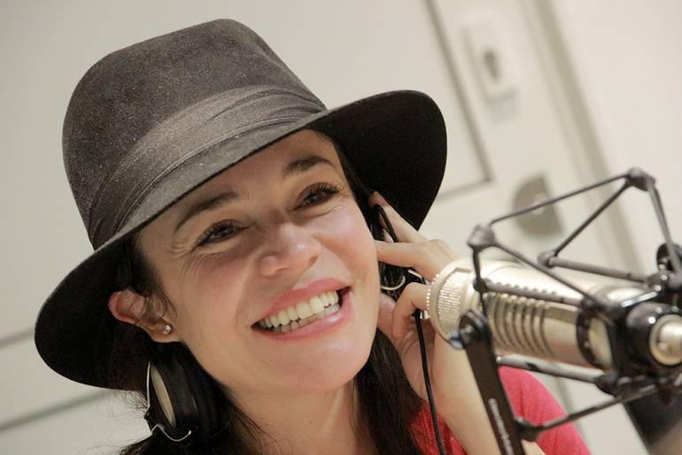 Flora martinez in canciones de amor en el club 4