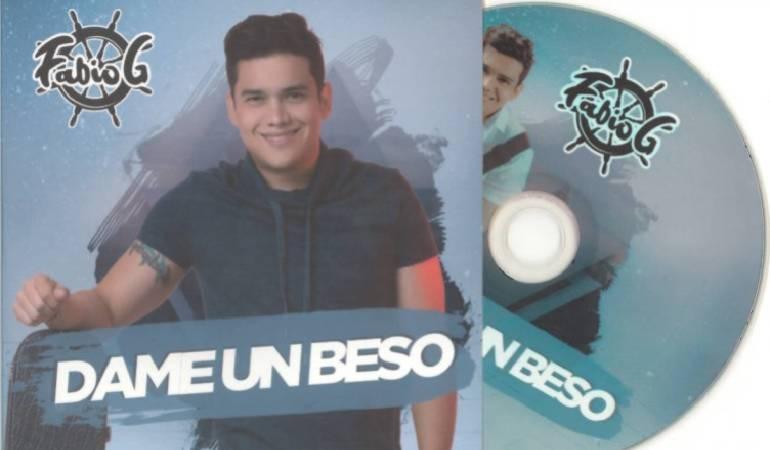 """Lo Más Caracol: El cantante Fabio G presenta """"Dame un beso"""""""
