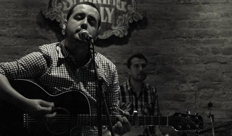 Lo Más Caracol: Chris Mosquera con su música de feria