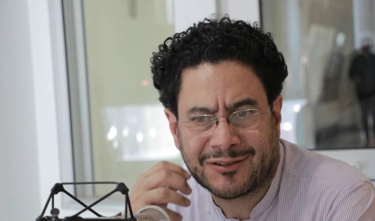 Las excusas de Uribe son peor que las ofensas: senador Iván Cepeda