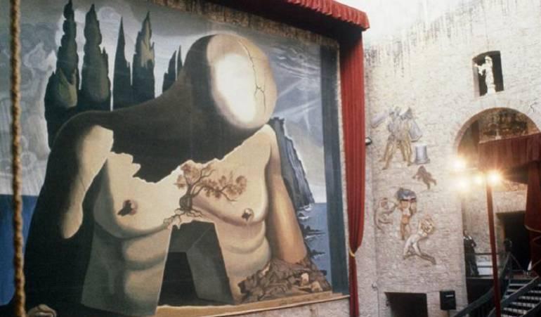 Salvador Dalí: Ordenan exhumar cadáver de pintor español Dalí por una demanda de paternidad