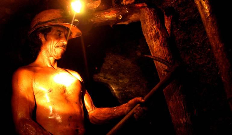 El ministro solo viene cuando hay una tragedia: minero de ... - Caracol Radio