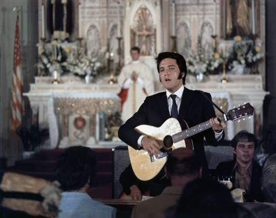 Elvis en la película 'Change of habit'.