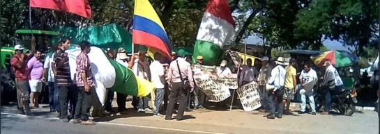 Protesta en el Huila. Policía garantiza la movilidad.