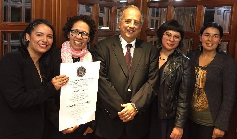 Lo Más Caracol: Colegio rural Pasquilla de Bogotá recibe el Premio Santillana 2017