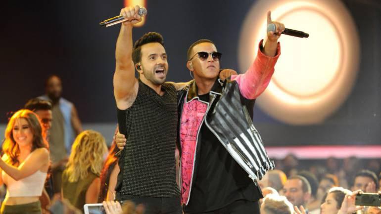 Luis Fonsi y Daddy Yankee artistas del año 2017 de People en español.
