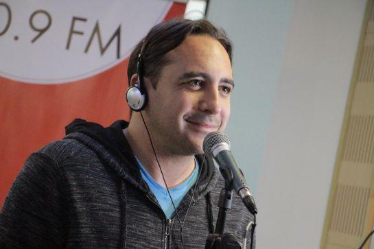 Mario Sabato, de la narración de ciclismo al canto en el Karaoke: Mario Sabato, de la narración de ciclismo al canto en el Karaoke
