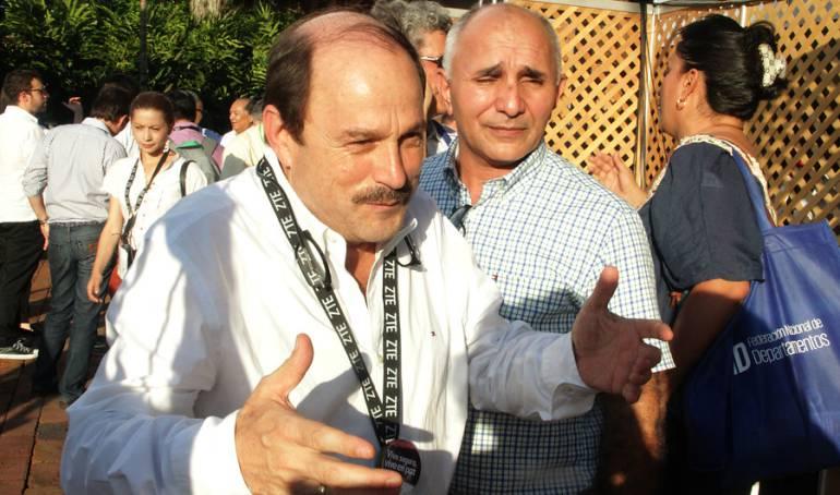 Gobierno colombiano suspende reunión con el ELN tras atentados