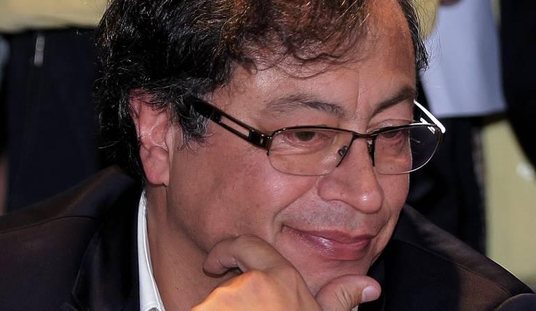 Elecciones presidenciales Colombia apoyo a Petro por parte de miembros polo: Huele a crisis en el Polo: desbandada hacia el petrismo