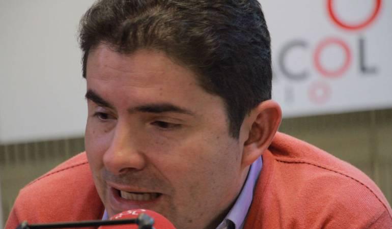 HORA 20: Me quedo con la lucha contra la pobreza de Santos: Henao