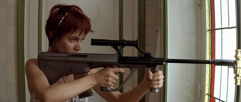 La Femme Nikita, película de Luc Besson: Maltratos a la mujer, en la ficción y en la vida real...
