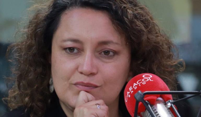 HORA 20: Petro y Duque apoyan la consulta anticorrupción, destaca Angélica Lozano