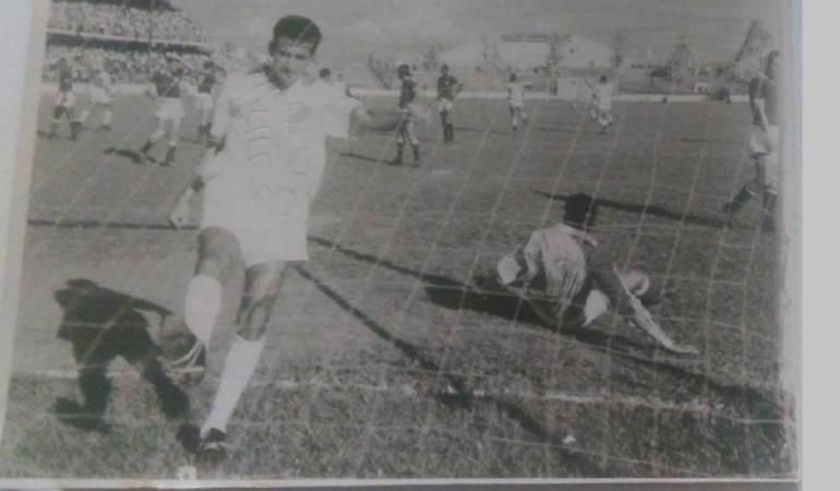 """""""Cuca"""" Aceros recibió 40 dolares por Chile 1962"""
