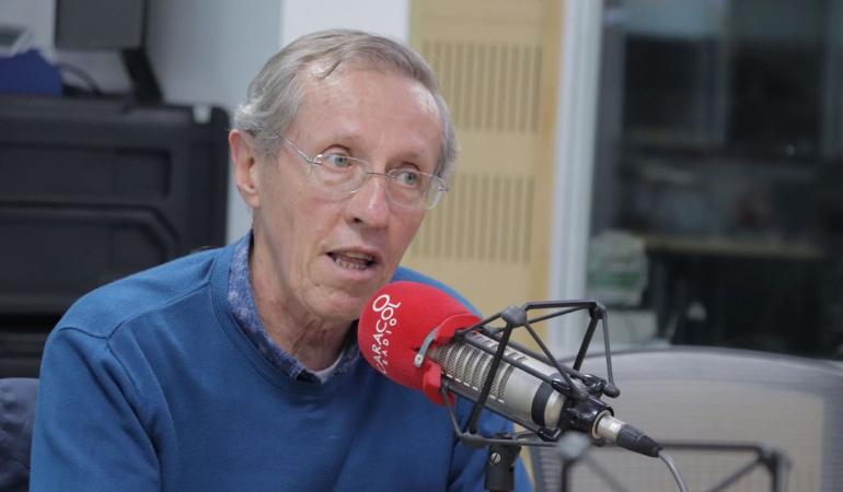 """HORA 20: """"La mayoría muestra el rechazo a los partidos"""": Antonio Navarro"""