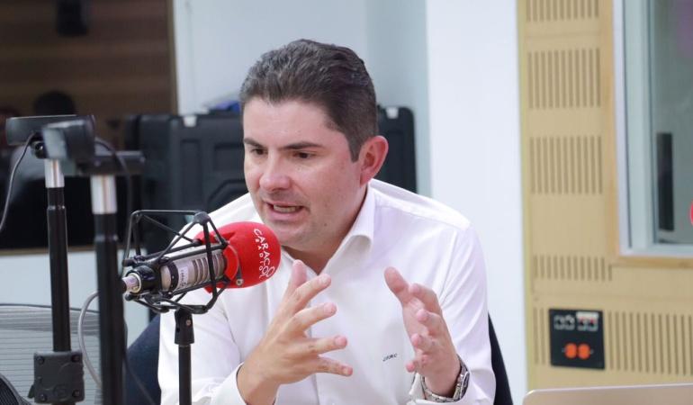 HORA 20: La oposición a Santos fue despiadada en muchos temas: Henao