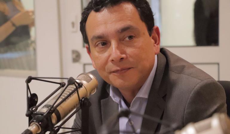 HORA 20: Duque no es un rehén de Uribe: Libreros
