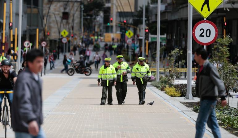 Código de policía.: Piden autorizar que policías apaguen la música del vecino ruidoso