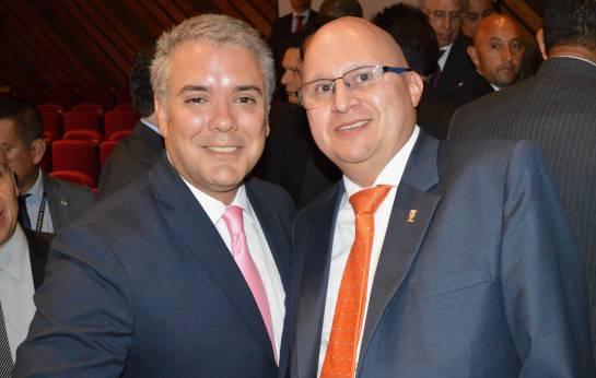 Presidente ejecutivo de Fedecacao, Eduard Baquero, con el presidente de Colombia, Iván Duque.
