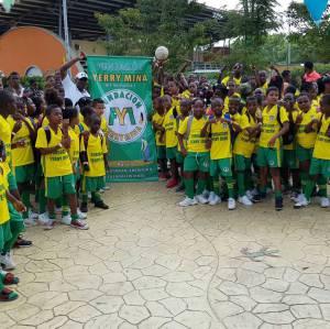 Fútbol y otras actividades culturales para mas de 150 niños y niñas