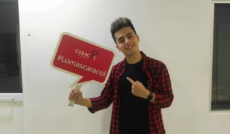 """Lo Más Caracol: El Youtuber Javier Ramírez presenta su canción """"Me atrapó"""""""